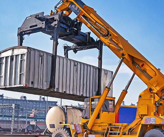 9 Best Practices For Moving Heavy Equipment